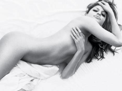 Eva Mendes Vogue'a soyundu - 30